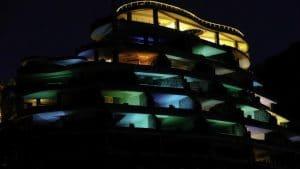 نورپردازی نمای ساختمان اداری
